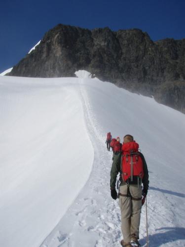 På vej over Björlings gletsjeren